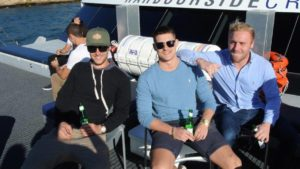 harbourside-cruise-friends-relaxing