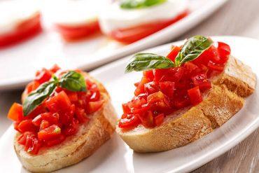 Bruschetta with fresh tomato.
